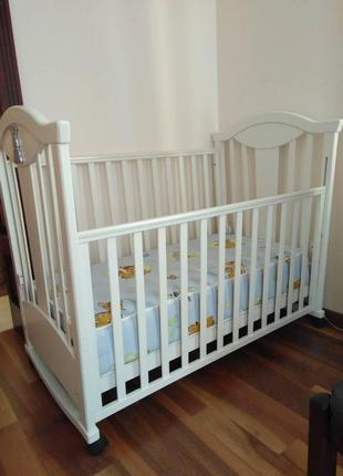 Кроватка детская MY-BABY из бука c кристаллами Swarovski, кровать