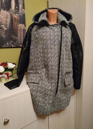 Пальто с кожаными рукавами и капюшоном шерсть и вискоза yessic...