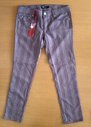 Стильные качественный укорочённые брюки/штаны в клетку