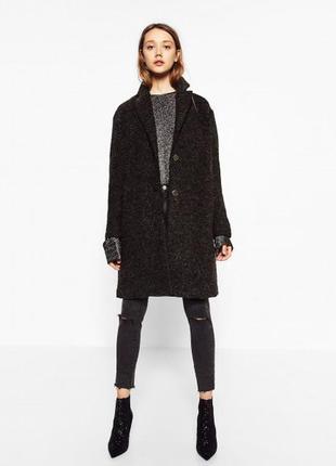 Шерстяное пальто серого цвета ткань букле