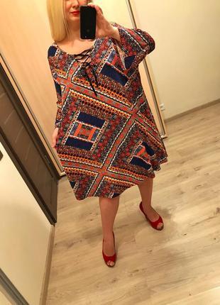 Стильное натуральное платье со шнуровкой батал