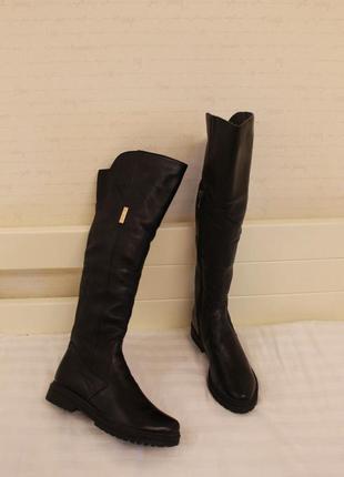 Зимние высокие кожаные сапоги. сапожки 39 размера на низком ходу
