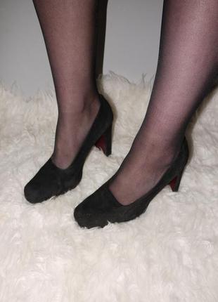 Черные классические туфли . италия . супер качество!