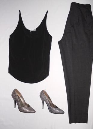 Zara w&b . черная майка / блуза на бретелях . ткань шелковиста...