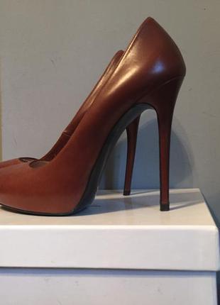 Коричневые туфли zara кожа нутуральная на шпильке