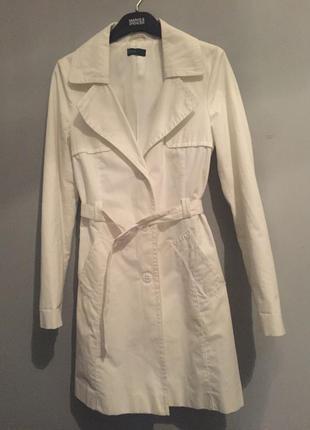 Поделиться:  белоснежный тренч ( пальто , плащ белый ) benetton