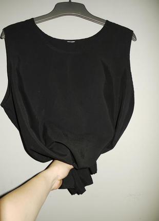 Блуза черная ( майка ) свободного кроя .