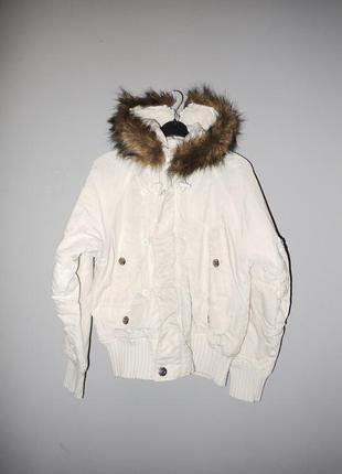 Классная белая куртка аляска ( бомбер ) с мехом , капюшон