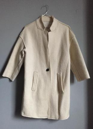 Кремовое 🧁 пальто из фактурной ткани . zara