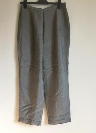Серебристые брюки бананы из вискозы