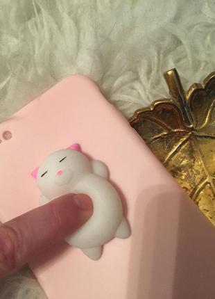 Новый чехол на подарок . котик антистресс розовый на iphone 6 +