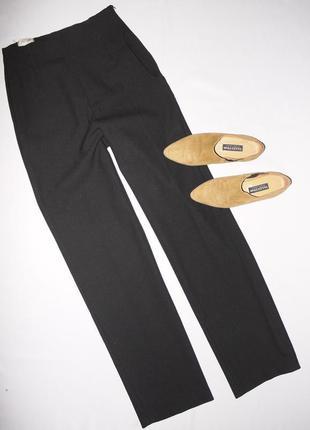 Черные брюки с высокой посадкой . интересный крой . смесовая ш...