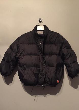 Zara trf чёрная куртка( бомбер ) пуховик ! супер крутая😍