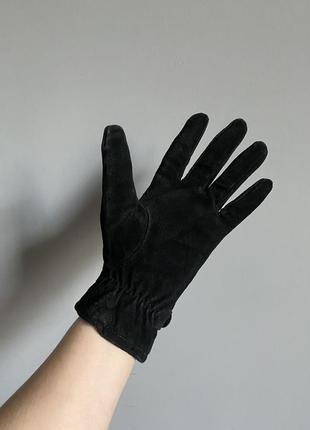 Перчатки из замши чёрные на утеплителе