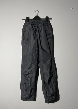 Непромокающие чёрные лыжные штаны без утеплителя