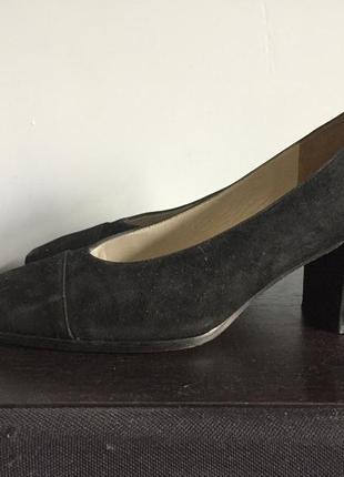 Замшевые классические туфли breuninger. люкс класса обувь