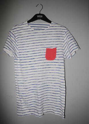 Классная футболка в полоску с красным (алым ) кармашком