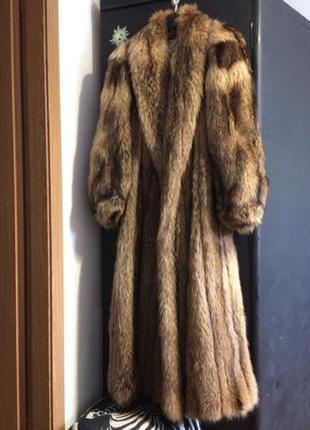 Роскошная Шуба манто La Marque Furs из енота, привезенная из А...