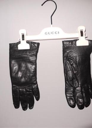 Чёрные перчатки . кожа натуральная