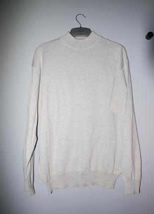 Тонкий теплый свитер из шерсти мериноса . бежево серый .