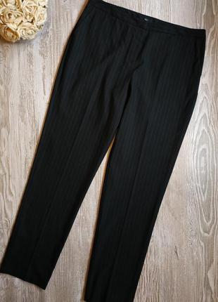 Классические брюки в тонкую полоску m&co размер 14