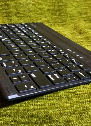 Беспроводная клавиатура с чехлом бампером для iPad (England)