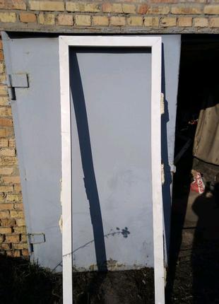 Двери с рамой