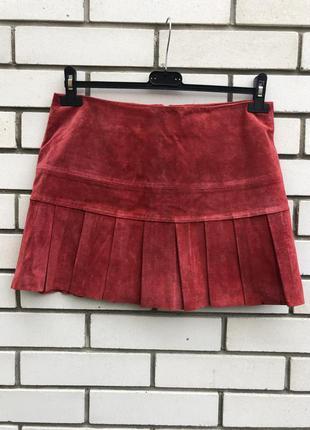 Новая,красная ,кожа-замшевая юбка плиссе,складки,oasis