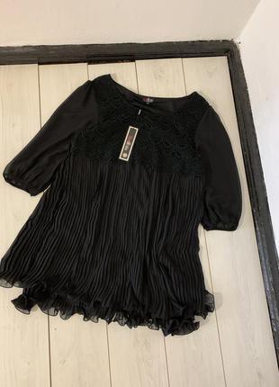 Чёрная удлиненная блуза плиссе большого размера