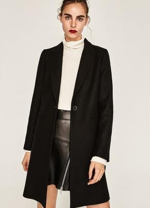 Шерстяное пальто черного цвета