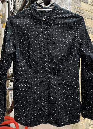 Рубашка блуза чёрная  приталенная в горох