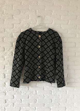 Винтажный пиджак в клетку с большими зеркальными пуговицами