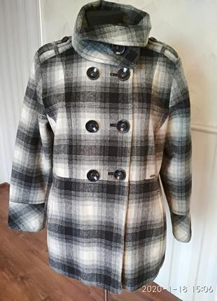 Качественное укороченное пальто  yessica большого размера 50-5...