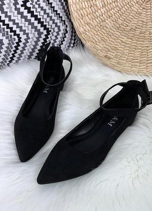 Замшевые туфли с острым носком и ремешками,чёрные замшевые туф...
