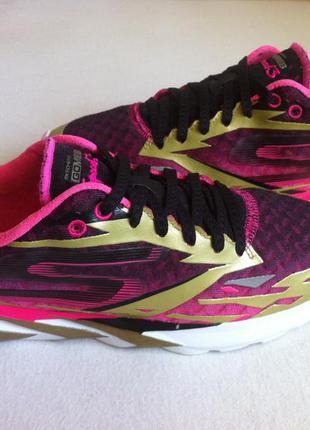 Ультралегкие  кроссовки skechers gomeb speed 3 размер 39 ст.26...