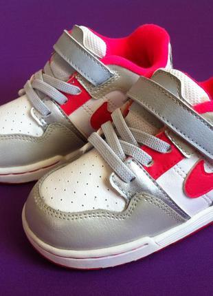 Стильные демисезонные 🍂 кожаные кроссовки nike 👟 размер 25 ори...