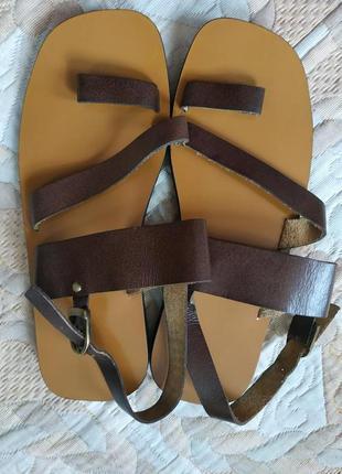 Кожаные босоножки/ сандалии р.40-41