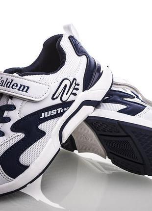 Стильные легкие кроссовки бренда waldem для мальчика