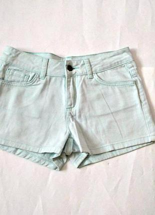 Мятные летние джинсовые шорты