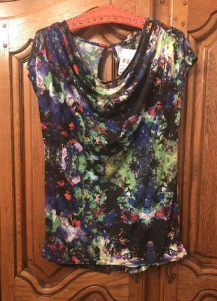 Блузка,футболка в цветочный принт