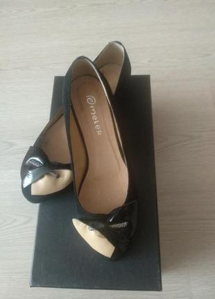 Черные замшевые на низком ходу туфли. 40 размер ed meier
