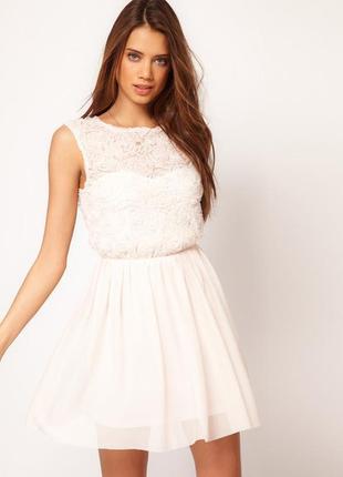 Платье айвори с объемными розами