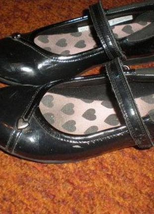 Туфли черные, лак, clarks