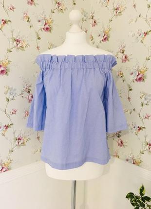 Легкая полосатая блузка с открытыми плечами