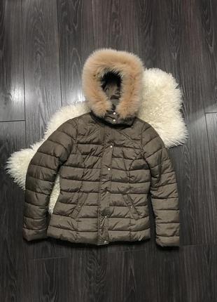 Темно бежевая куртка с натуральным мехом