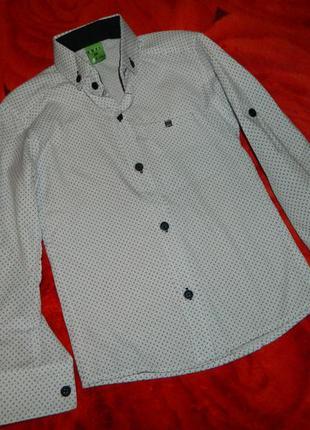 Новая нарядная праздничная детская рубашка на мальчика 5-6 лет.