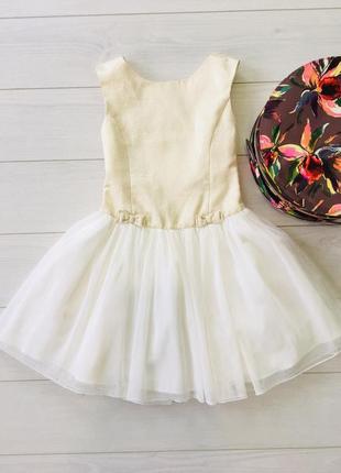 Нежное платье с блёстками и фатиновой юбкой jona mishelle