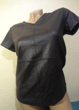 Имитация крокодильей кожи costes блуза/футболка размер xs