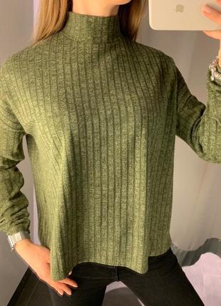 Флисовый свитер гольф в рубчик водолазка amisu есть размеры