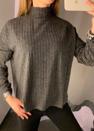 Серый гольф в рубчик свитер водолазка amisu есть размеры